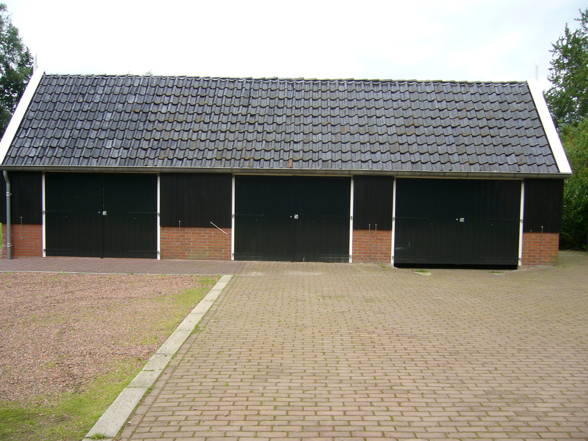 sheds ottors shed roof tiles. Black Bedroom Furniture Sets. Home Design Ideas