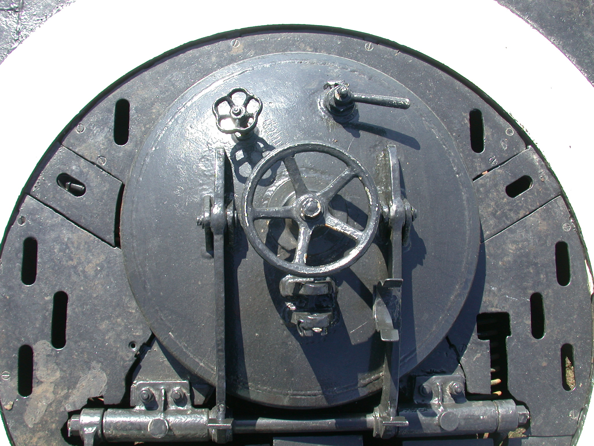 Image*After  photos  torpedo hatch valve latch iron painted steel hinges door hatch & Image*After : photos : torpedo hatch valve latch iron painted steel ...