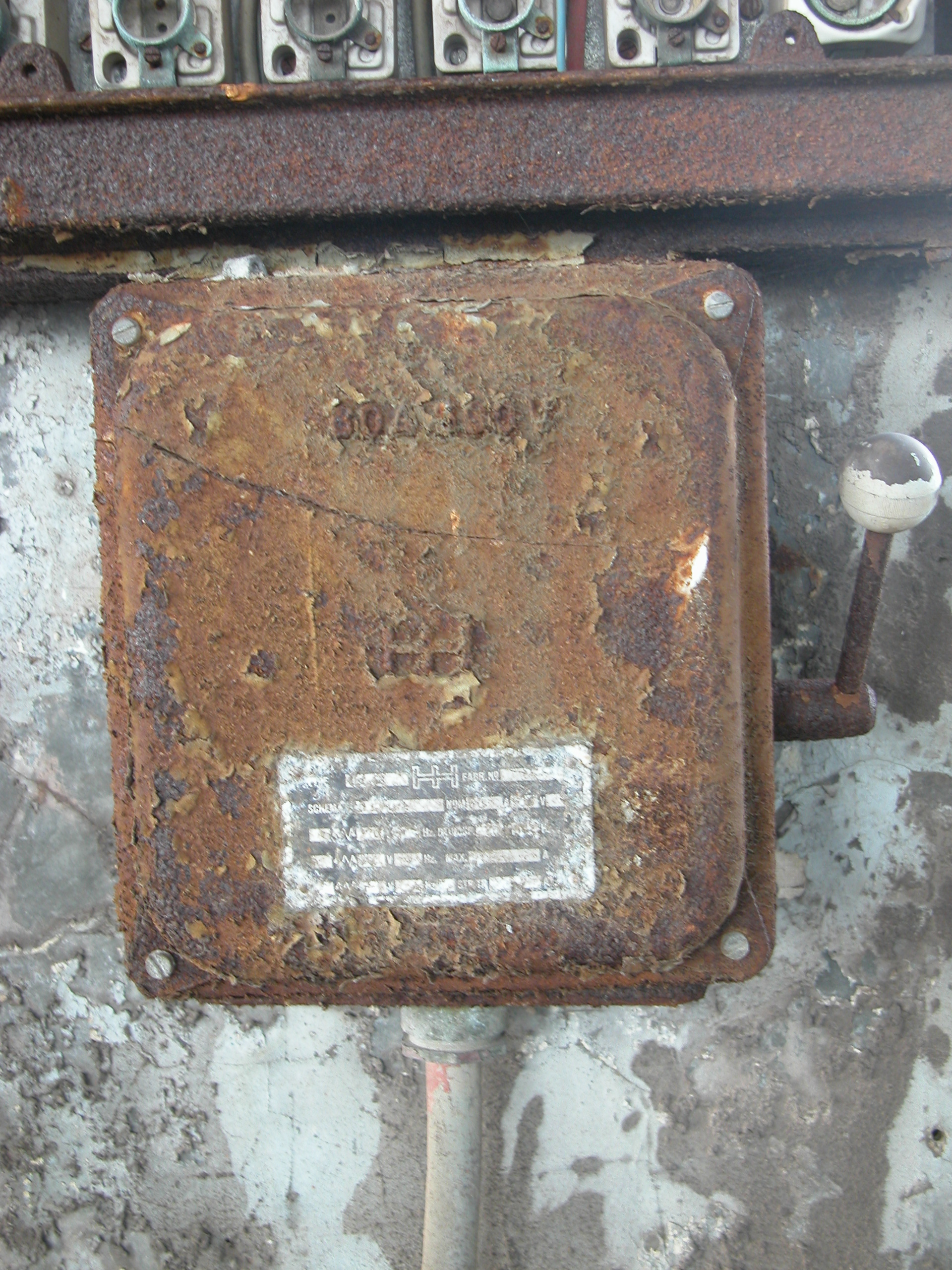 Image*After : textures : metals fusebox objects square rusted electricity  handle