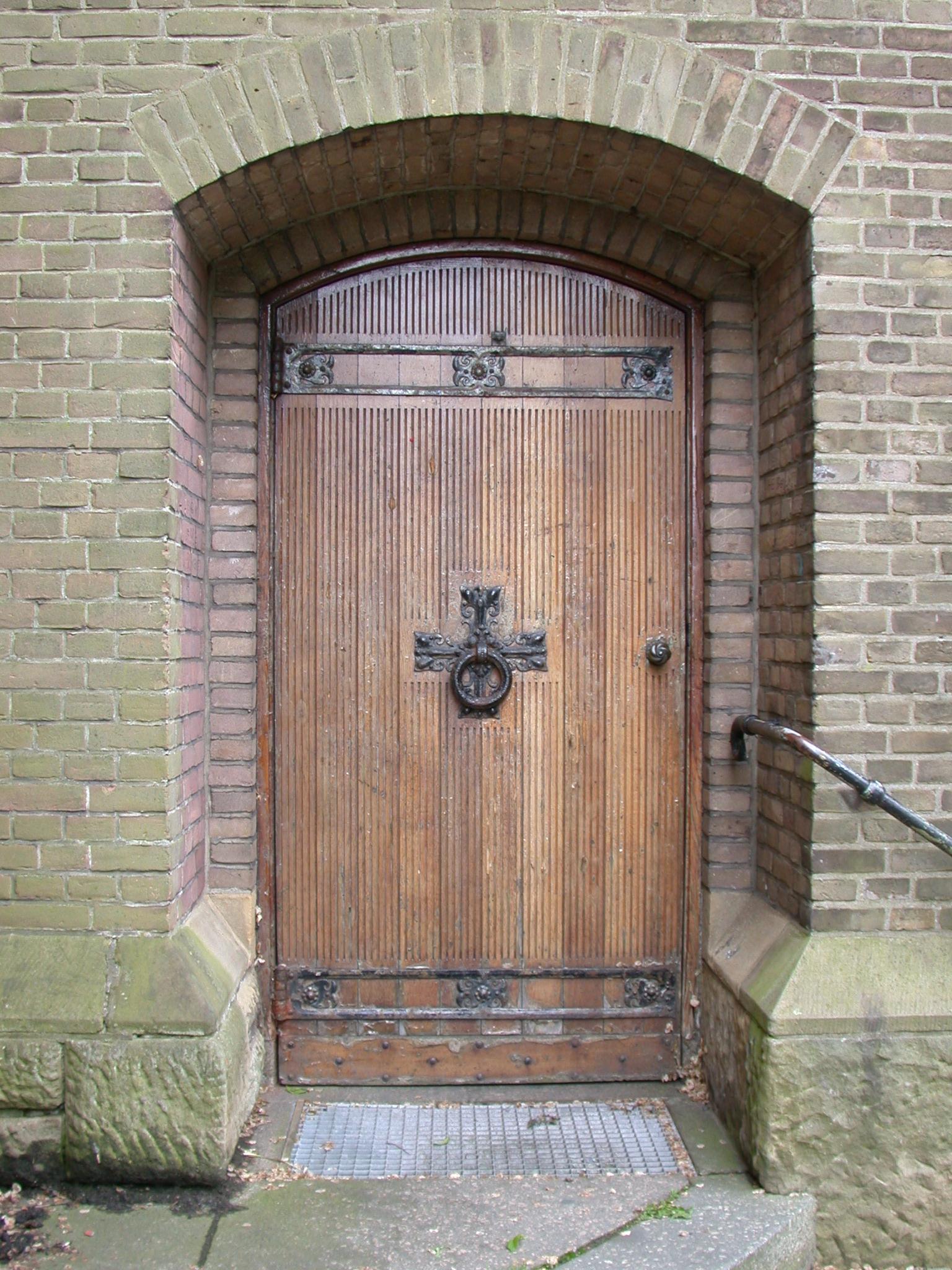 Image*After : textures : door medieval castle wooden heavy bolt ...