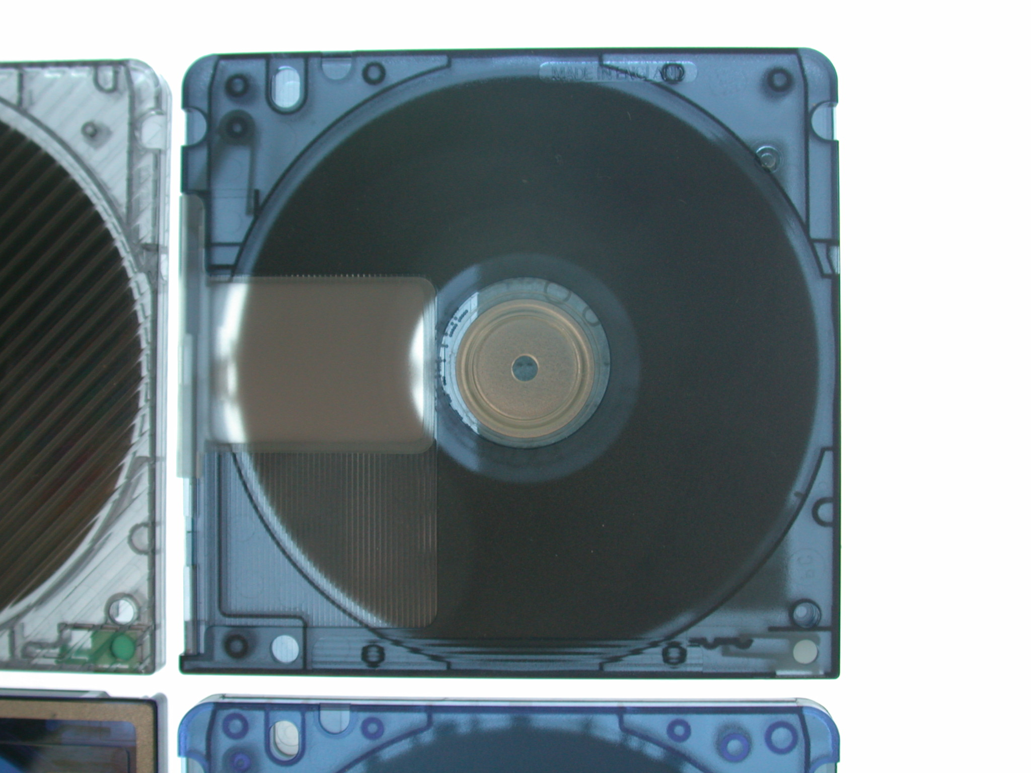 objects minidisc data sony datastorage square music plastic circle