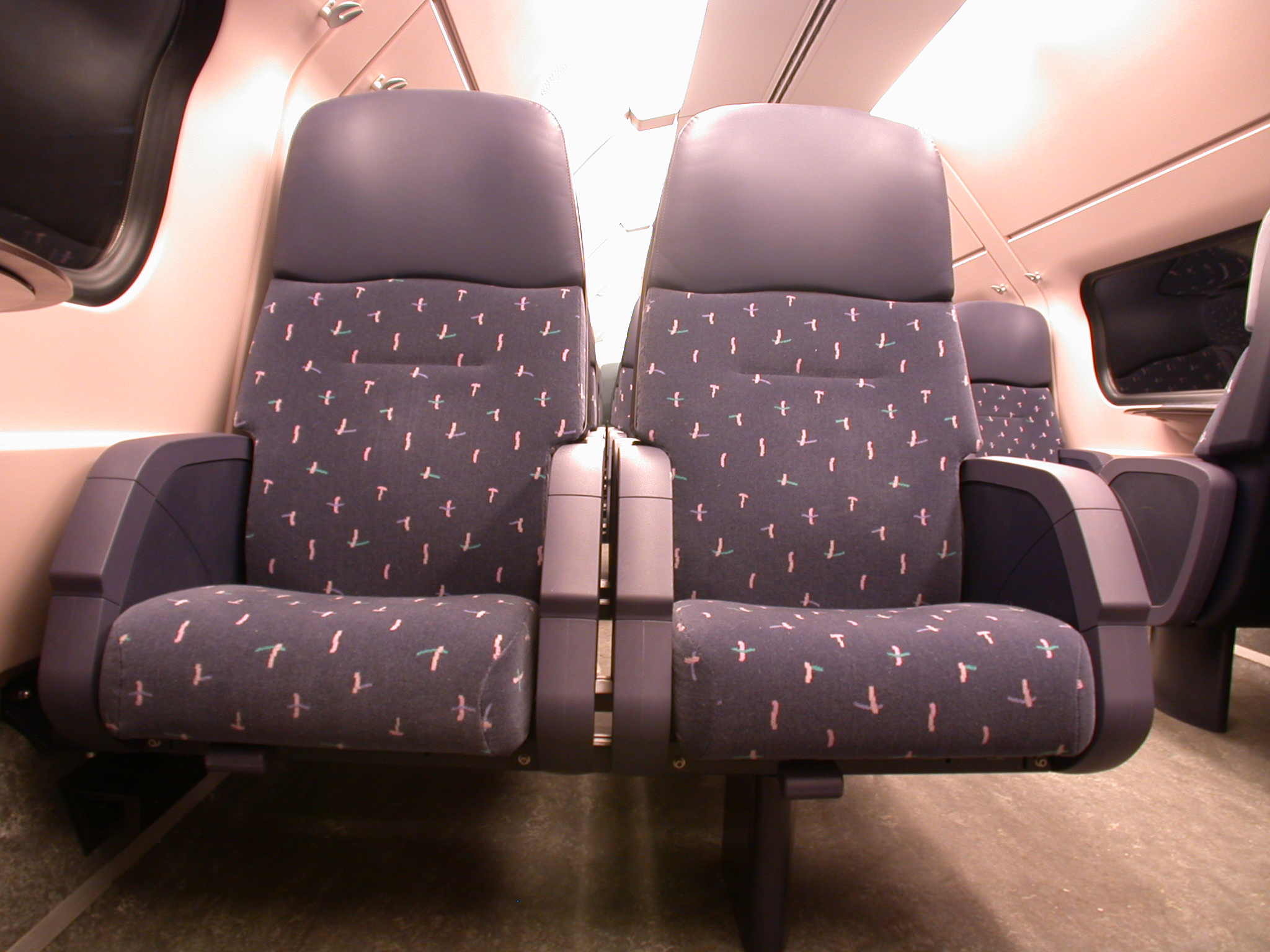 architecture interiors train firstclass class seat seats chair chairs ns publictransport transport empty