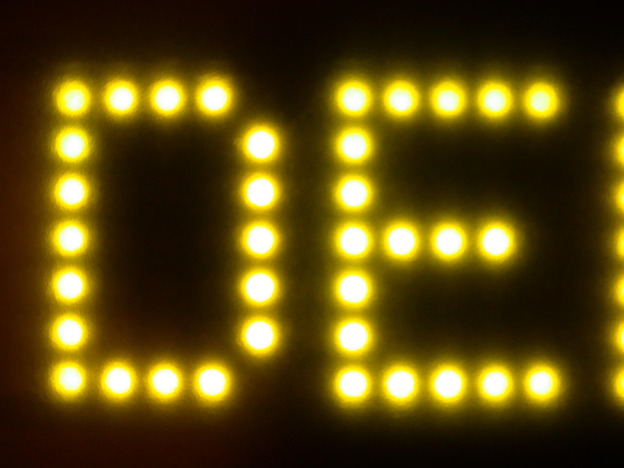 scripts typo typography sansserif modern led leds lightfx lighteffects de d e capitals