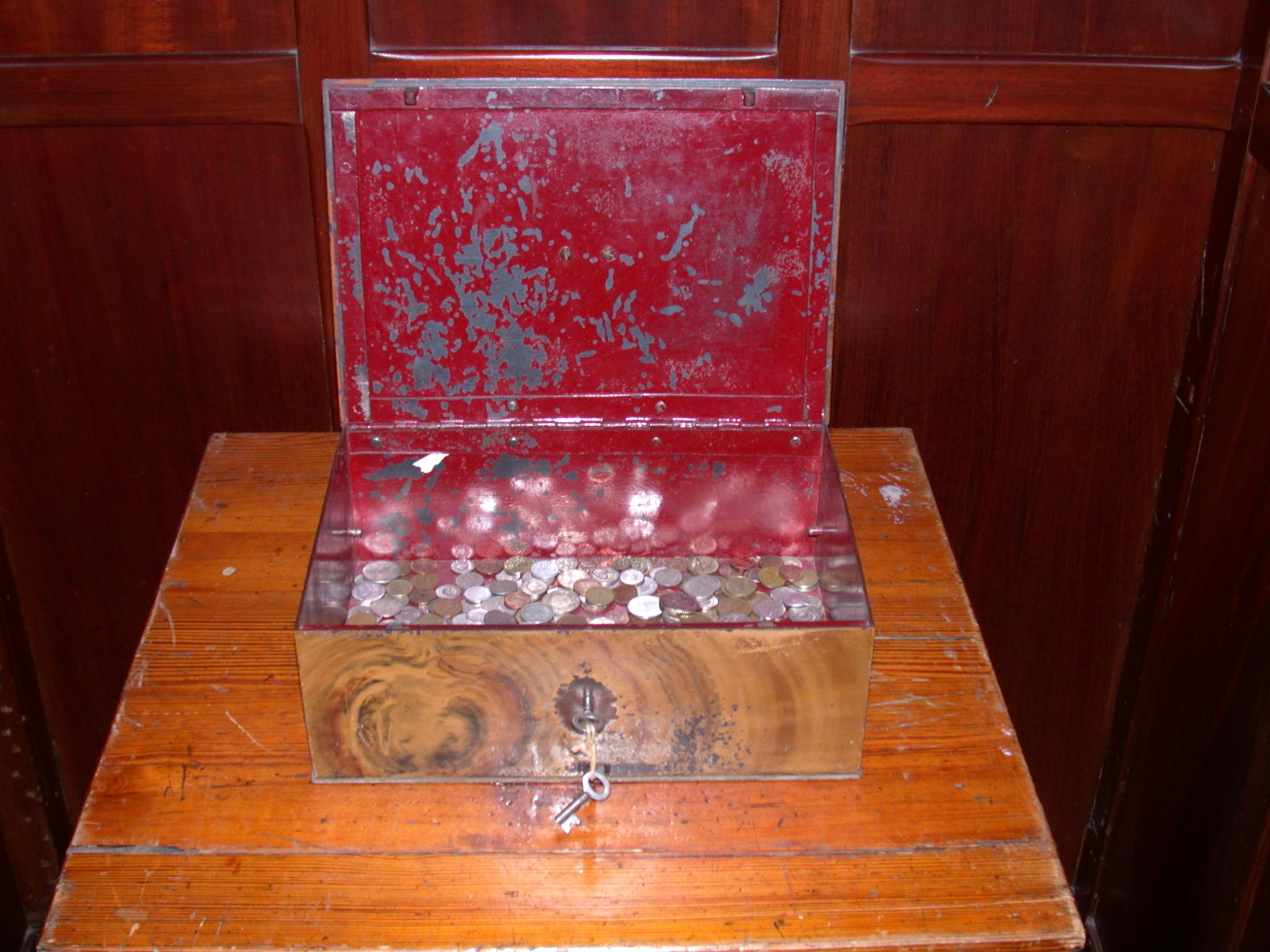 vault money box objects metal lock locker valuables valuable texture painted deposit safetydeposit wood