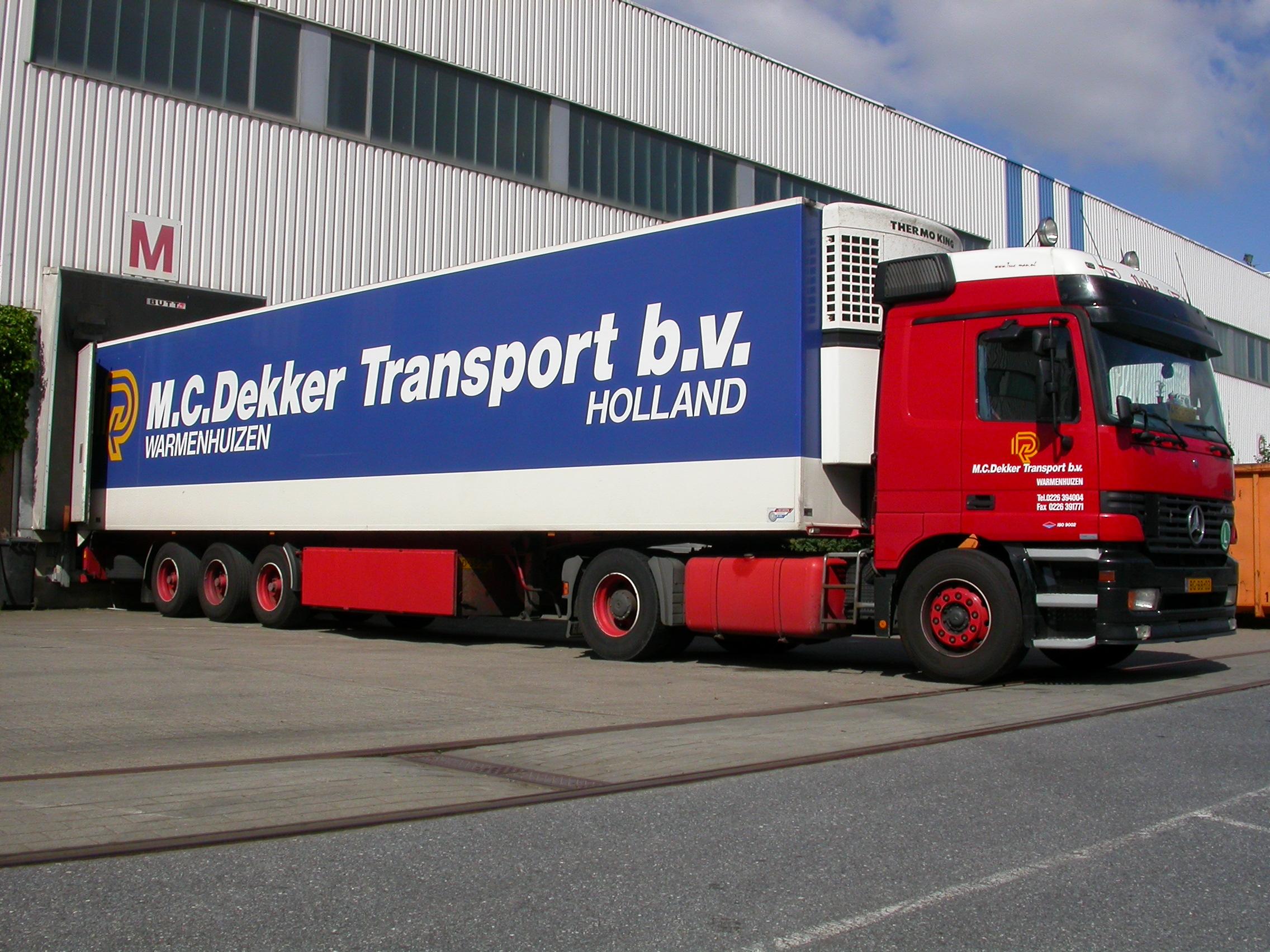 paul horstman vehicles land truck transport freight dekker side mercedes loading