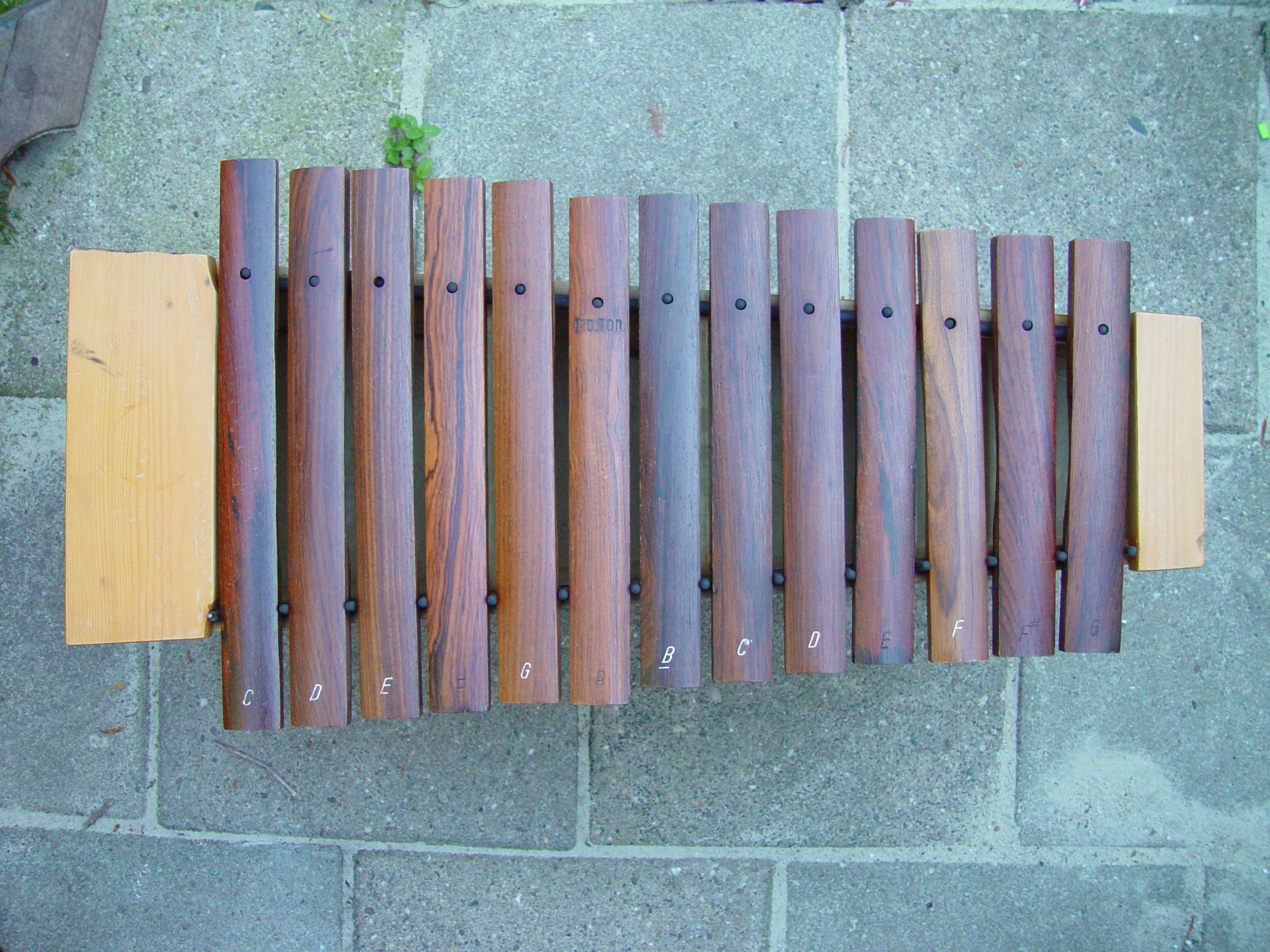 objects xylofoon musical instrument wood texture top bertoltzalm