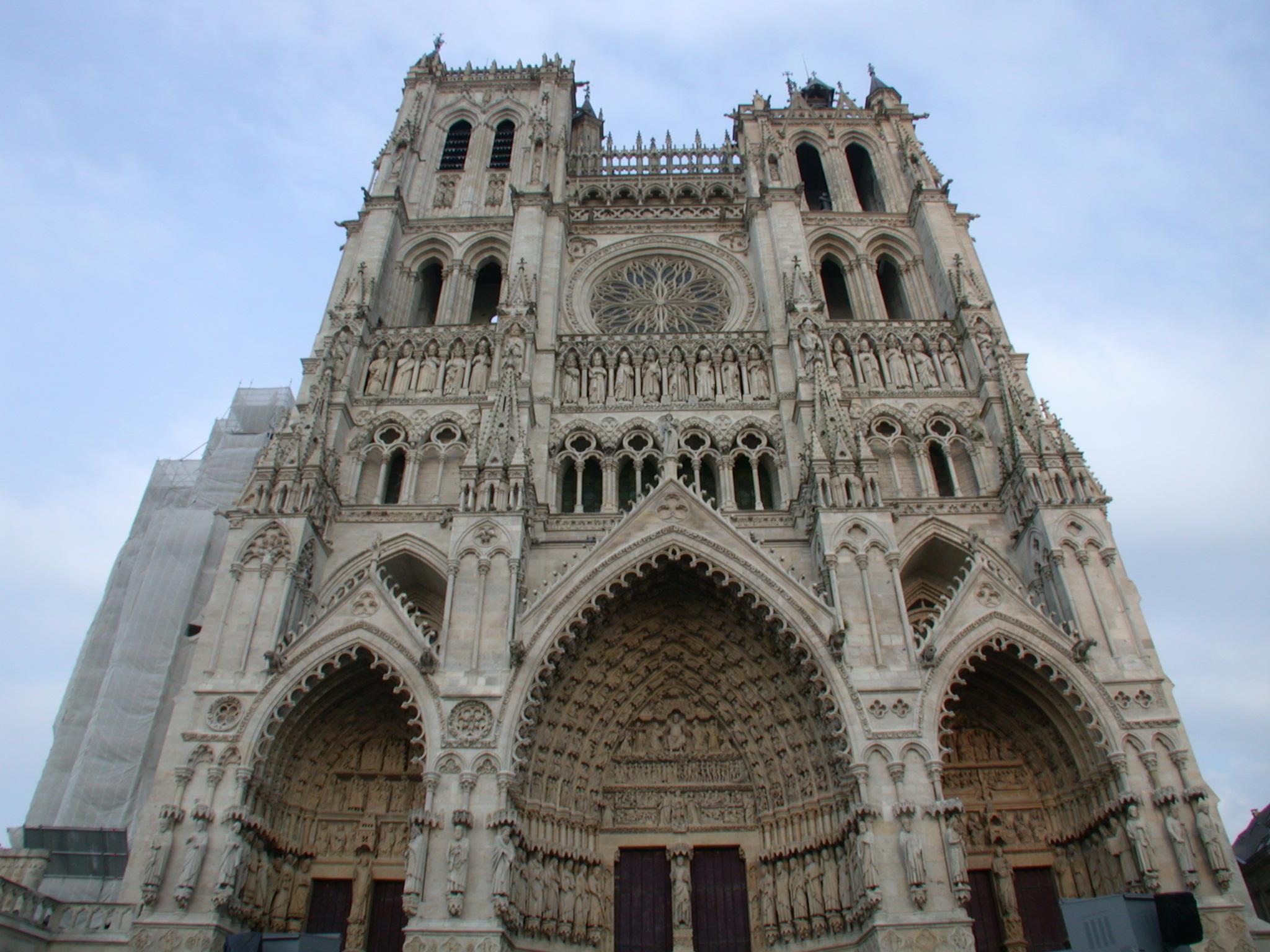church notre dame notredame paris france basilique impressive building construction qausimodo