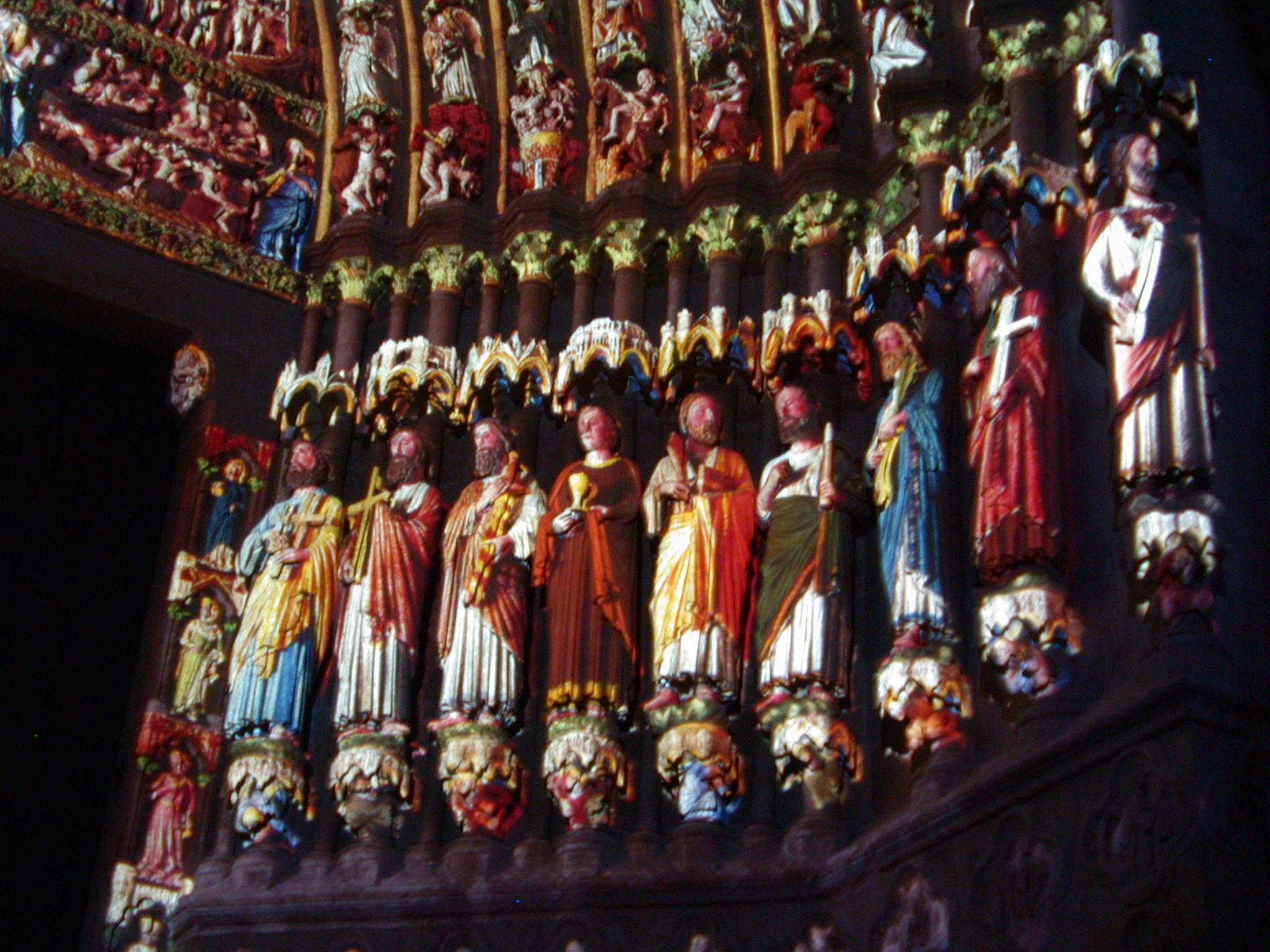 art sculpture sculptures saint saints lightshow colored coloured entrance cathedral church saint