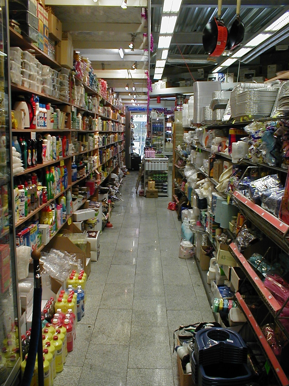 dario messy store shop shelves products