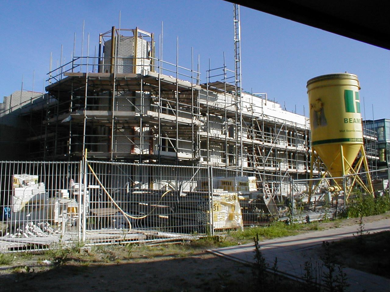 dario construction site building scaffold scaffolding