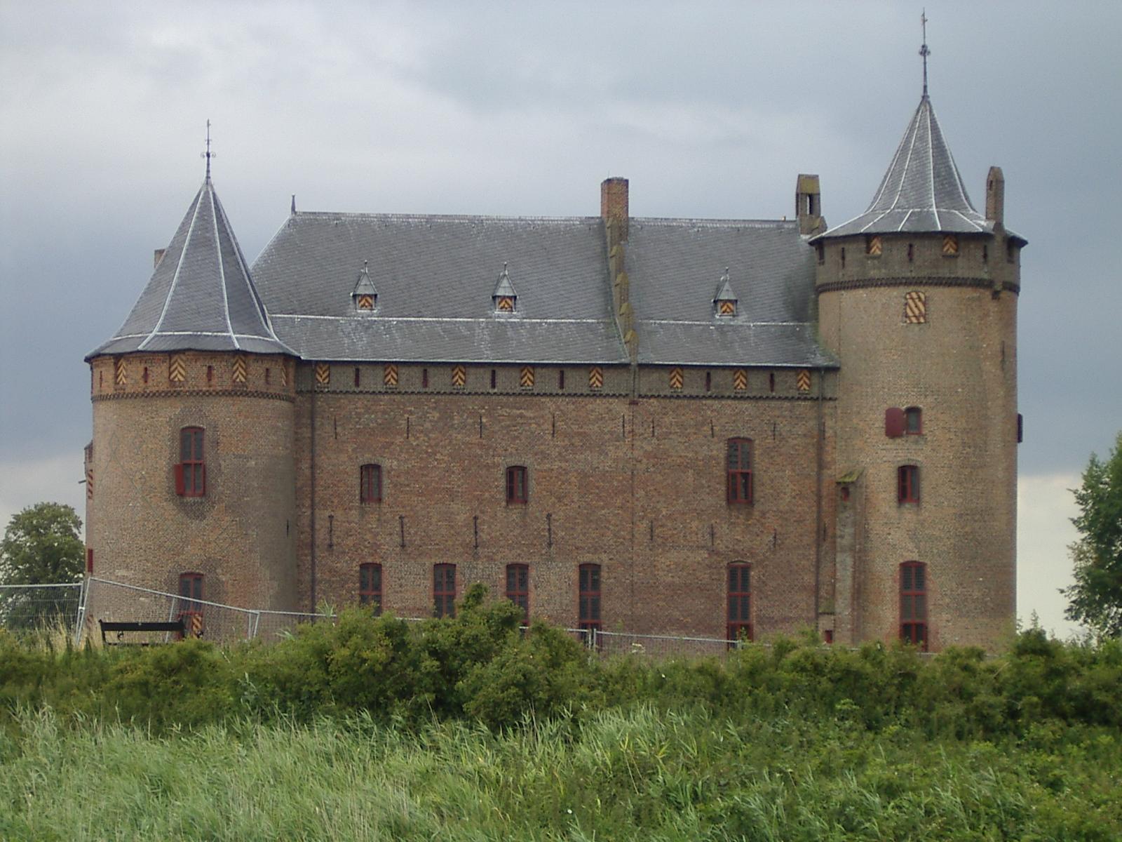 diederik castle fortification medieval