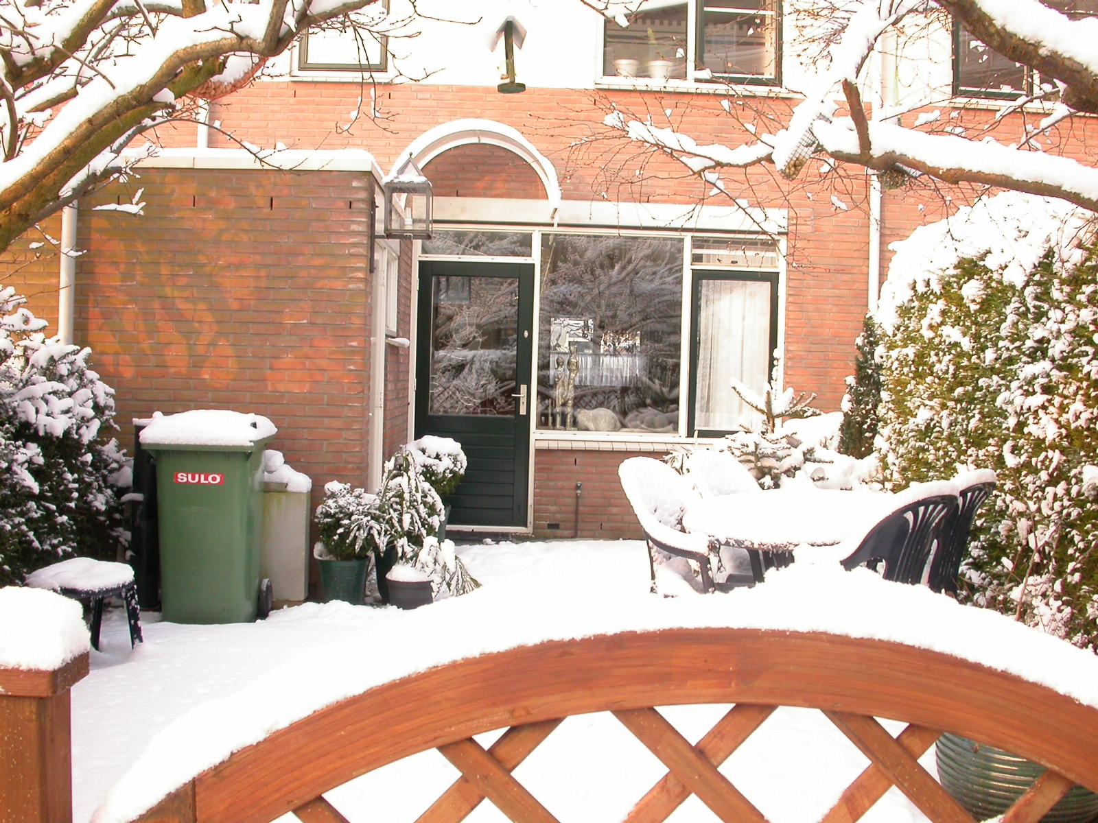eva garden house backgarden snow snowy blanket winter cold white