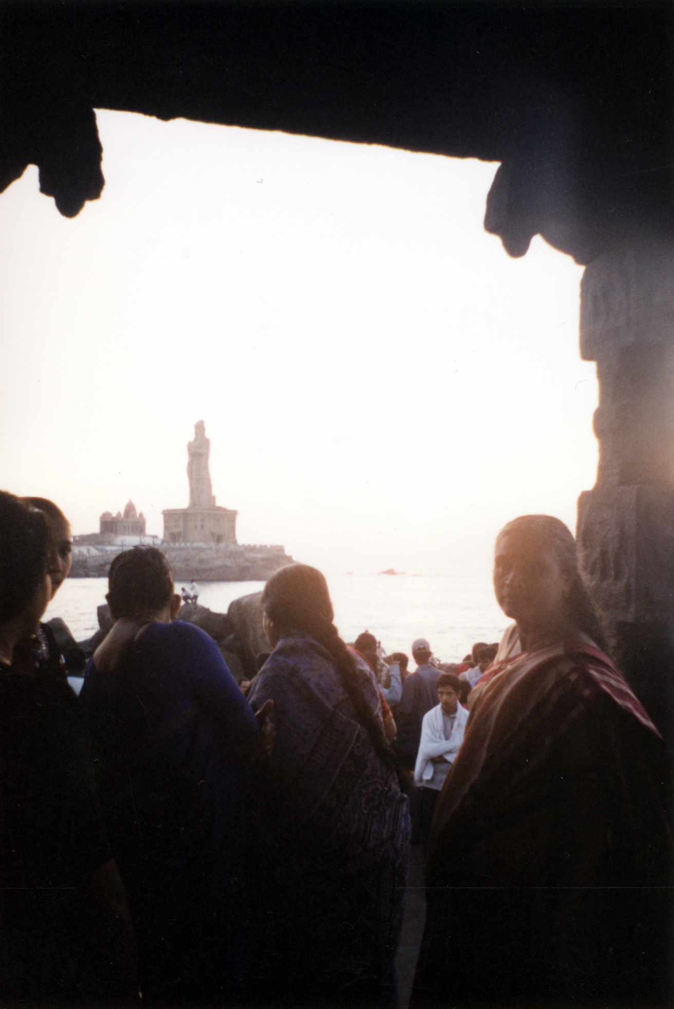 nature characters humanoids iuliana india woman ganges crowd front silhouette ganghes river statue