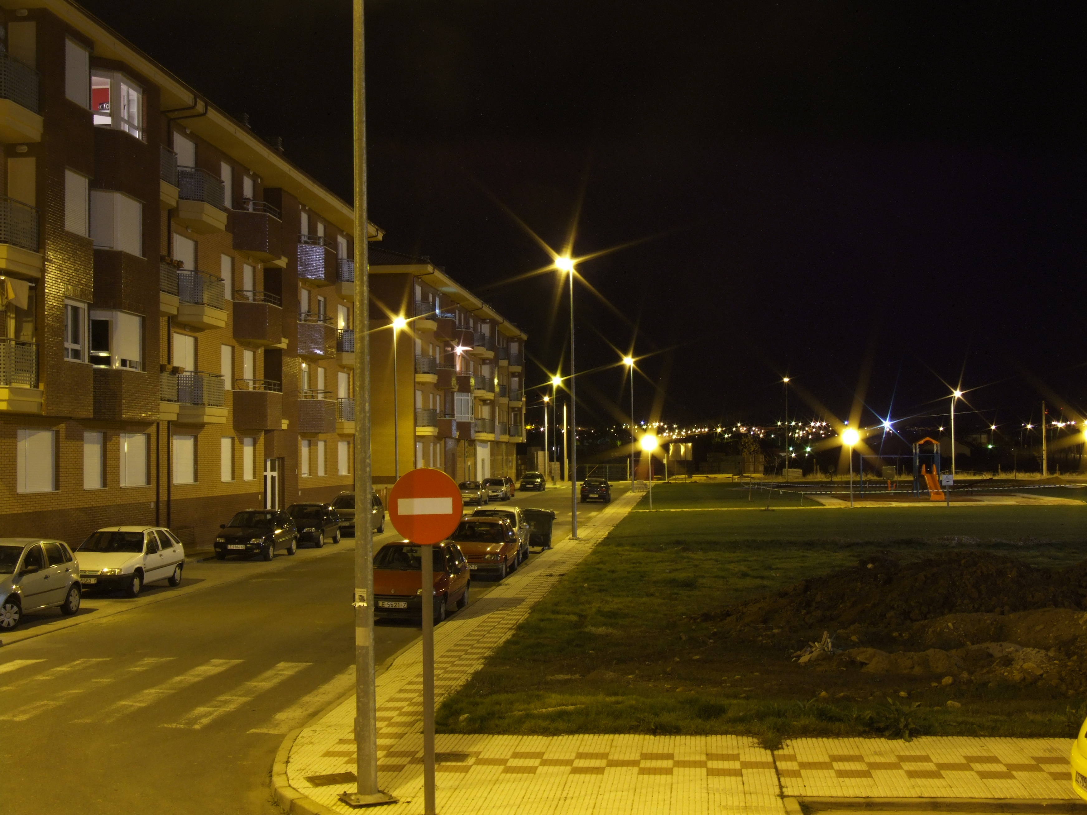 julio square dark night lights flats