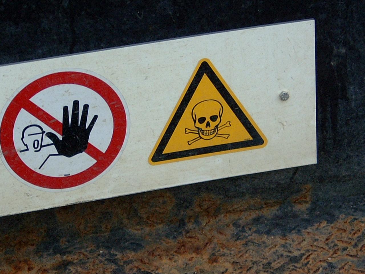maartent signs danger skull stop sign warning