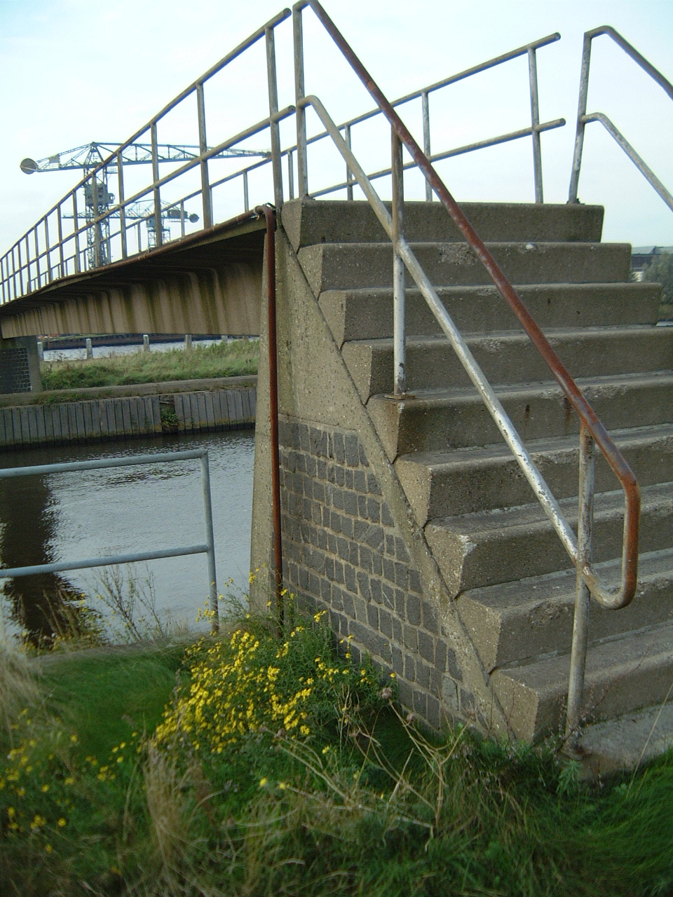 maartent step steps railing platform concrete bridge