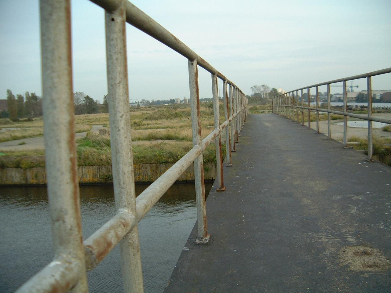 maartent bridge railing railings old metal rust