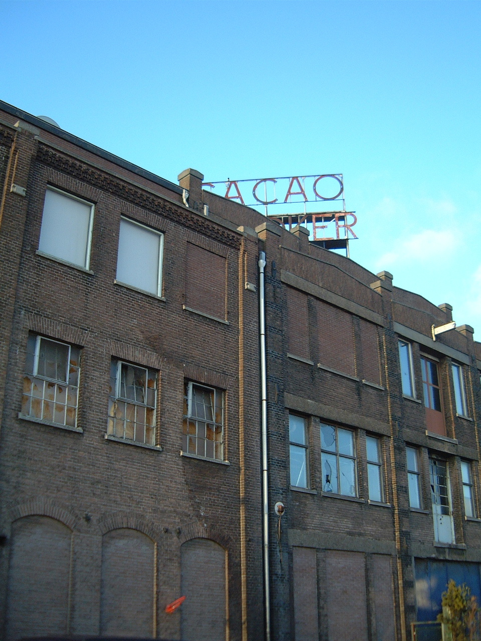maartent building factory abandoned old sign cacao