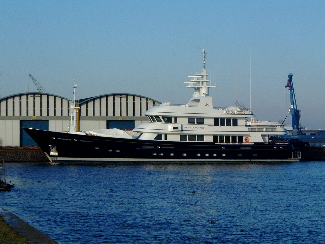 maartent yacht expensive boat black and white private ship