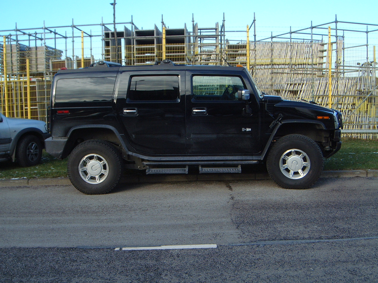 maartent hummer humvee black car vehicle tires