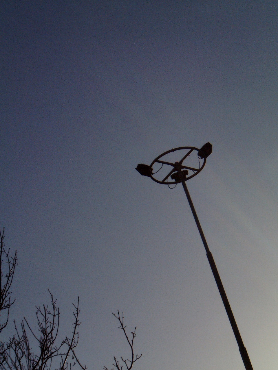 maartent mast lights pole evening