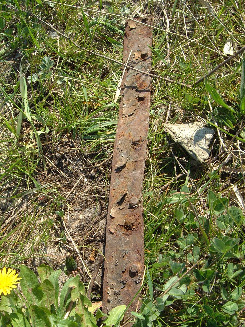 maartent metal steel rusted rust grass nature