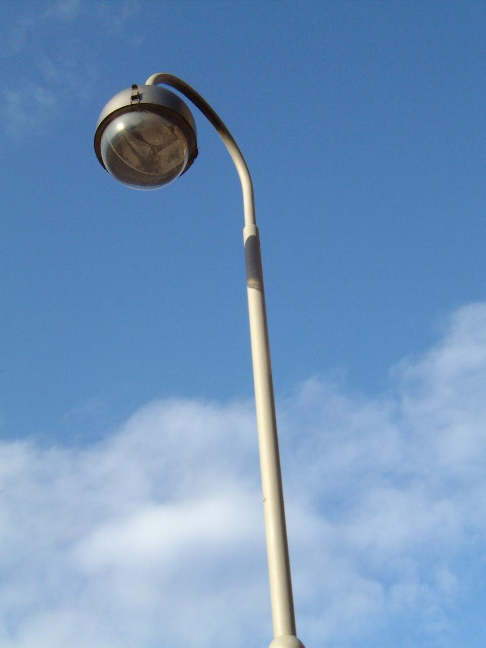 maartent lamp post lamppost sky hires