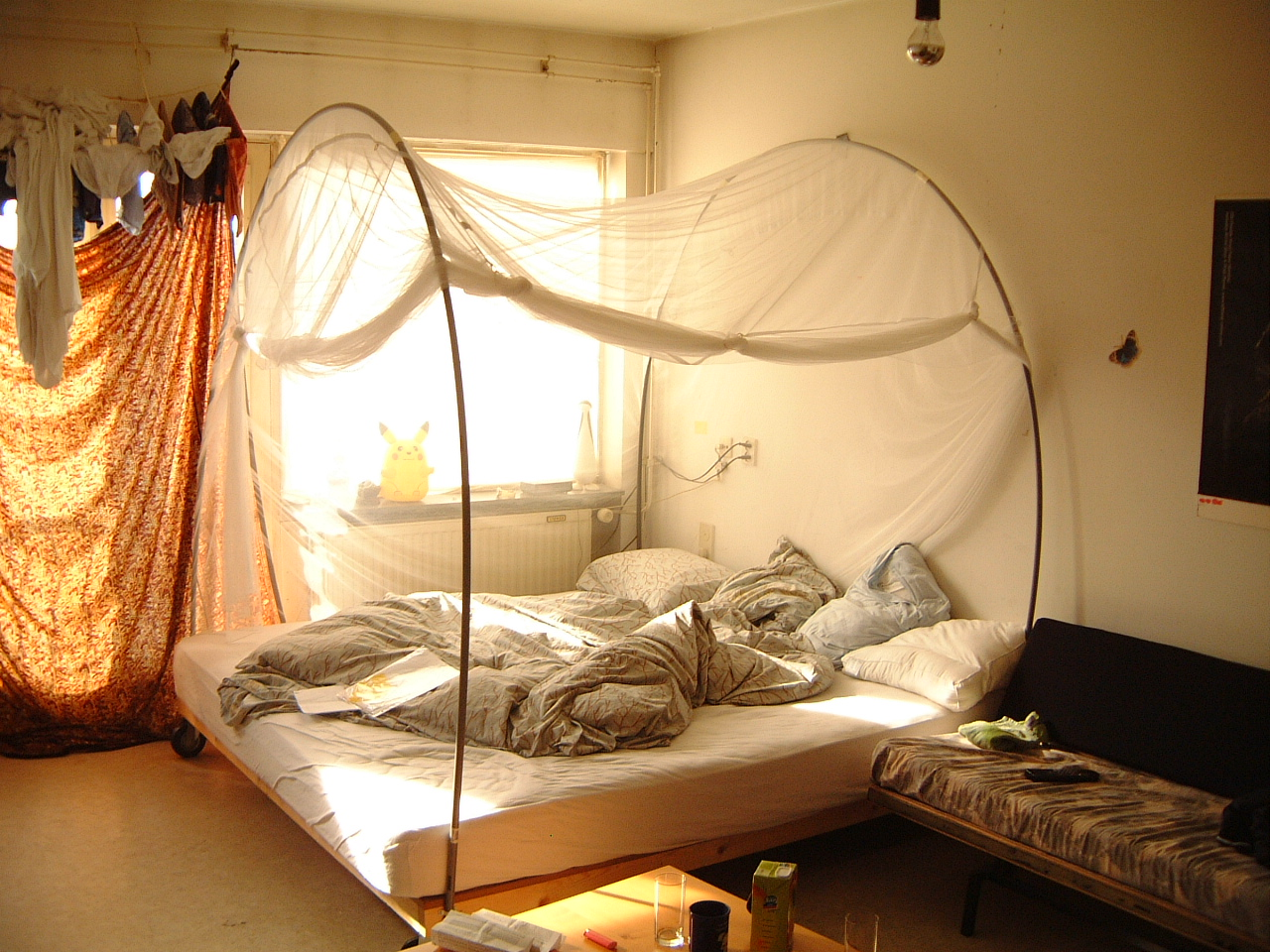 maartent bed bedroom mosquitoes mosquito net