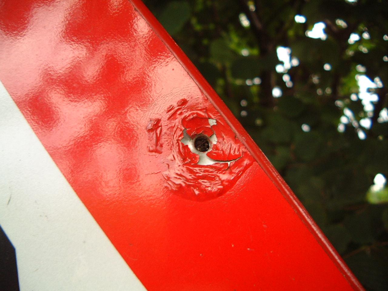 maartent bullethole hole trafficsign sign