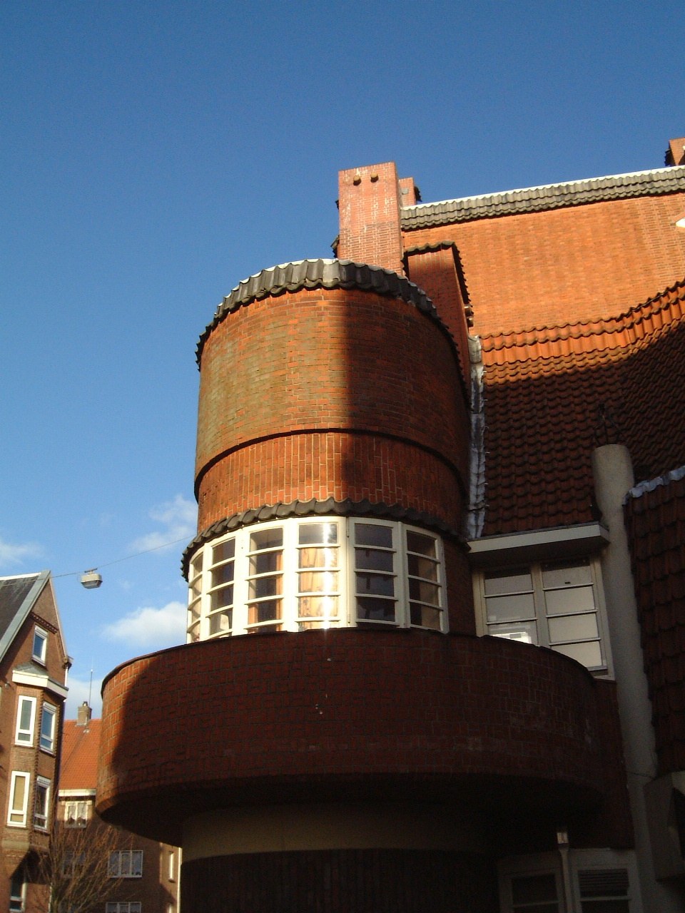 round building house bricks facade maartent