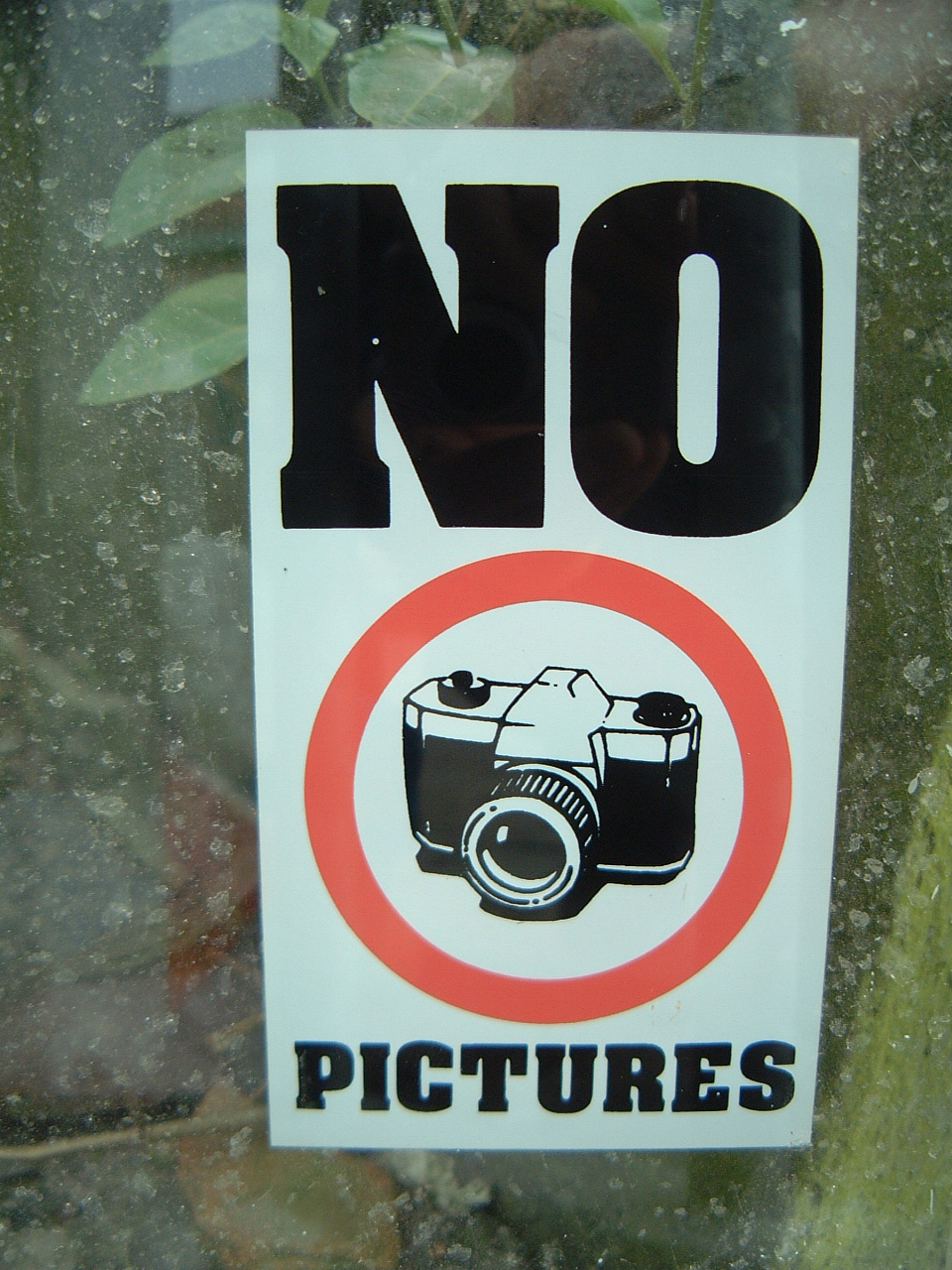 maartent objects signs no pictures camera forbidden sign