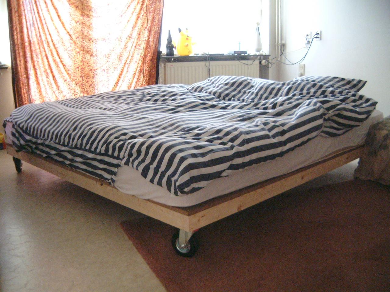 maartent bed on wheels bedroom