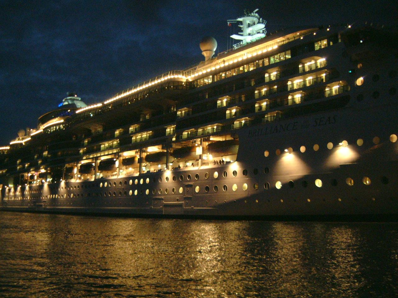 maartent boat night lights illuminated ocean liner party brilliance huge