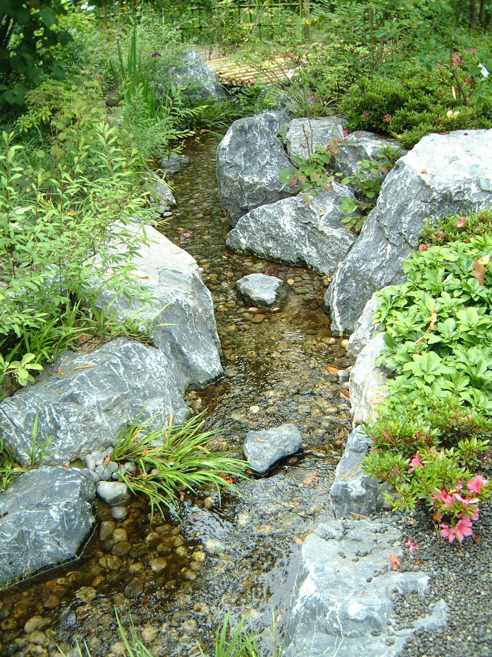 maartent brook garden stream rock babbling flowing