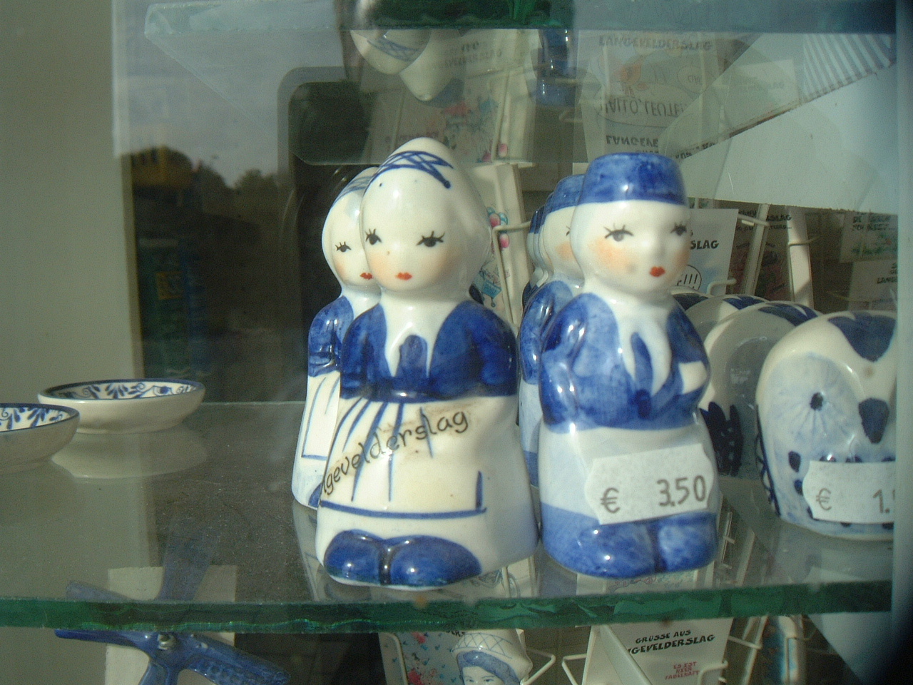 maartent dutch porcelain figures figurines dolls blue white