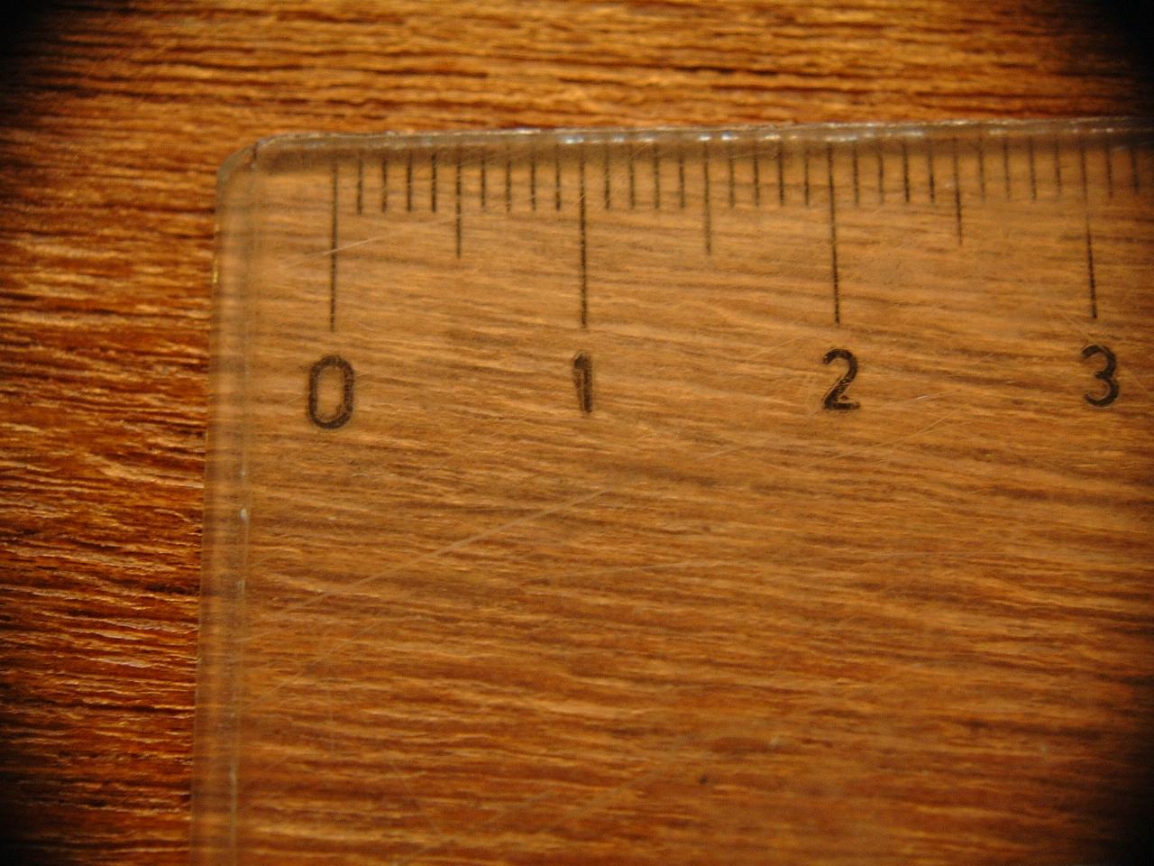 maartent ruler macro numbers sanserif wood texture