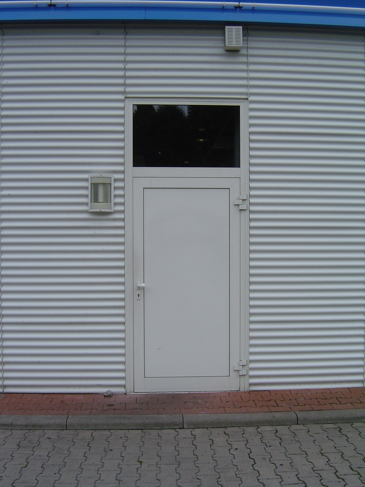 rigoletto steel plating walls texture door entrance modern