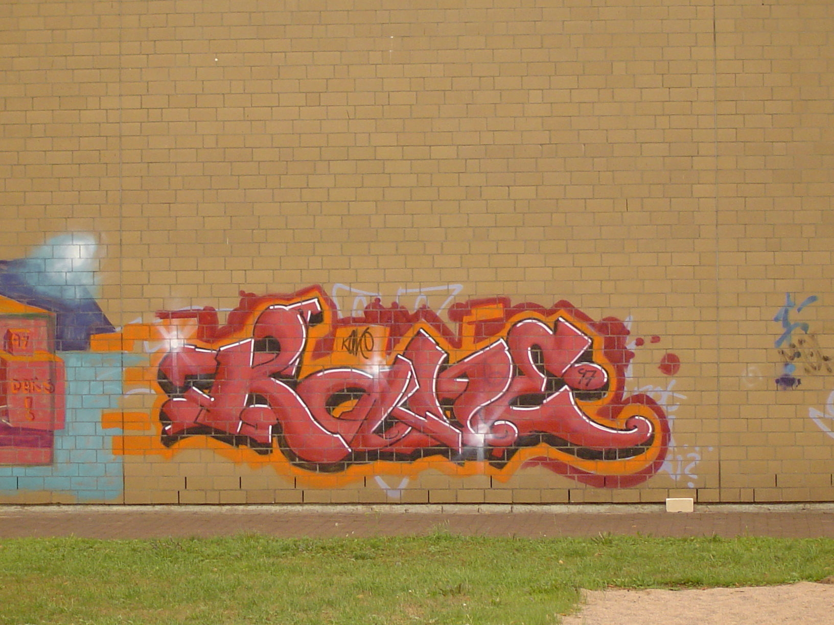 rigoletto wall yellow graffiti urban inner-city tag