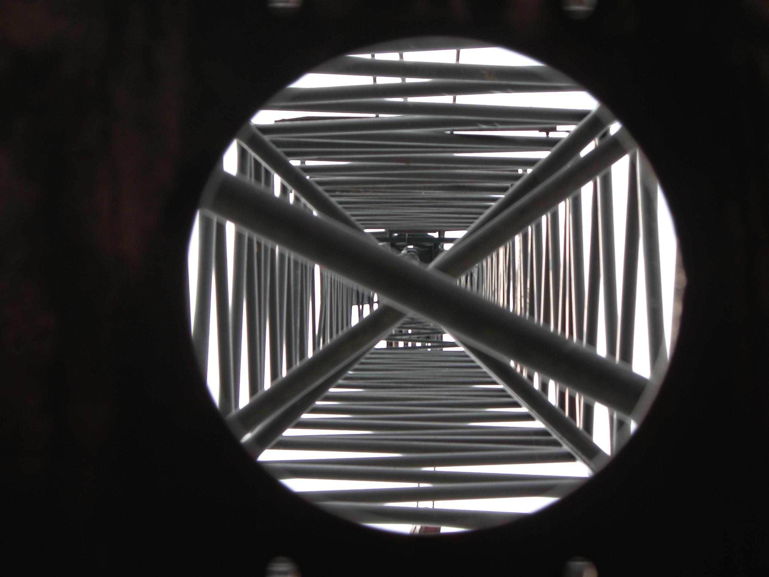beams crossing a circle tower
