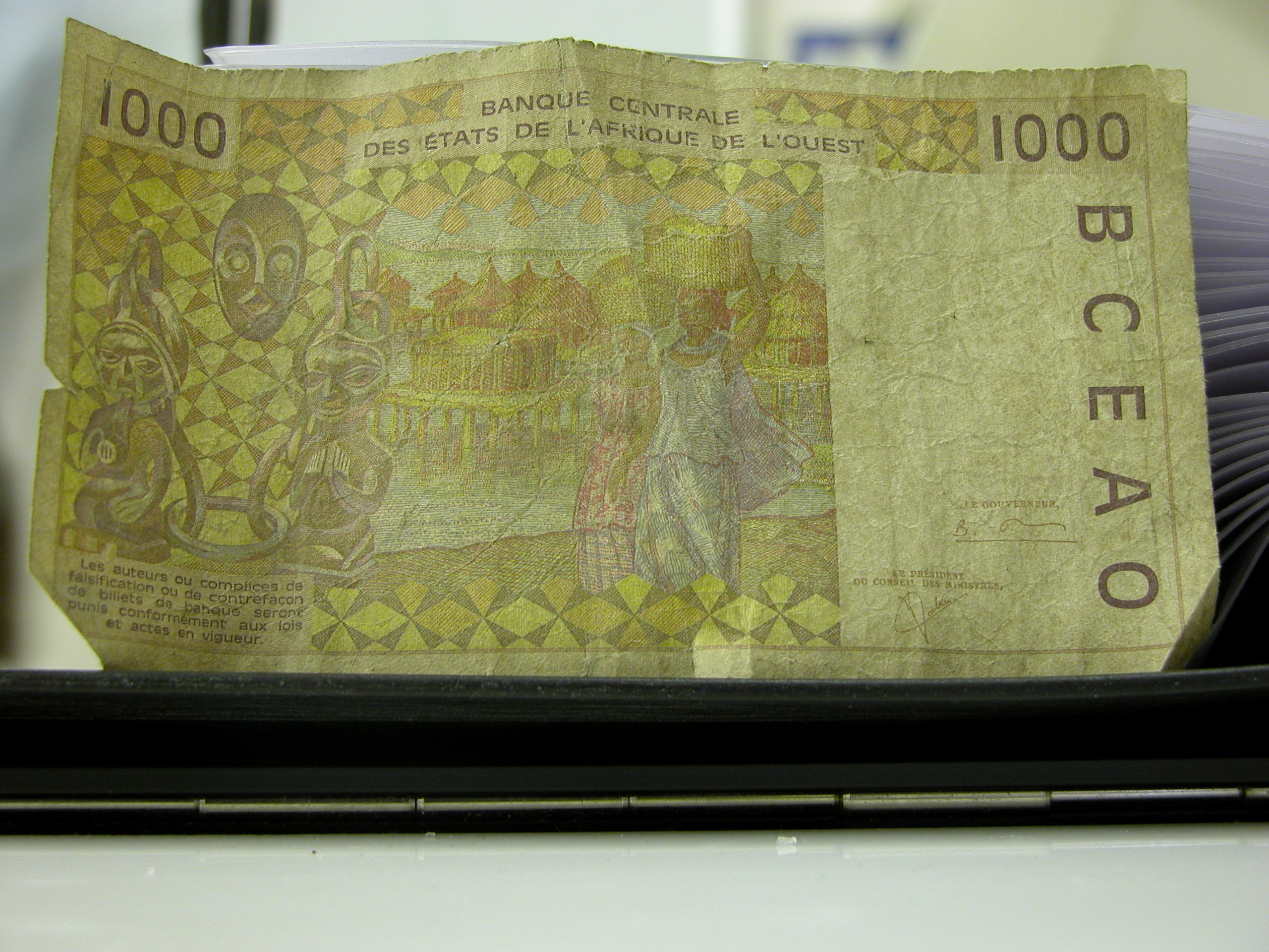 bank bill money note yellow banque centrale des etats de l afrique de l ouest eastern africa
