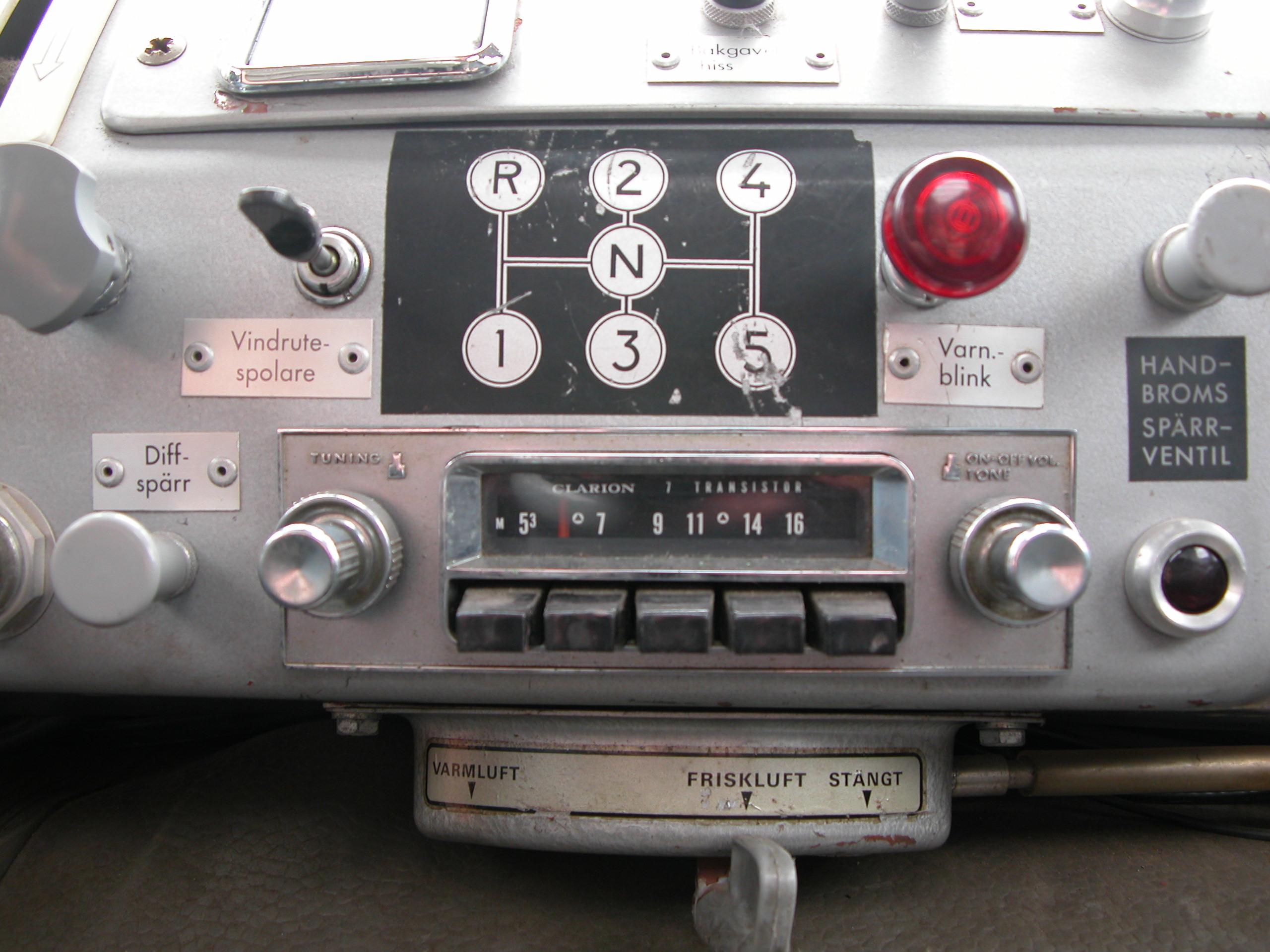 dashboard old car dials gauge radio