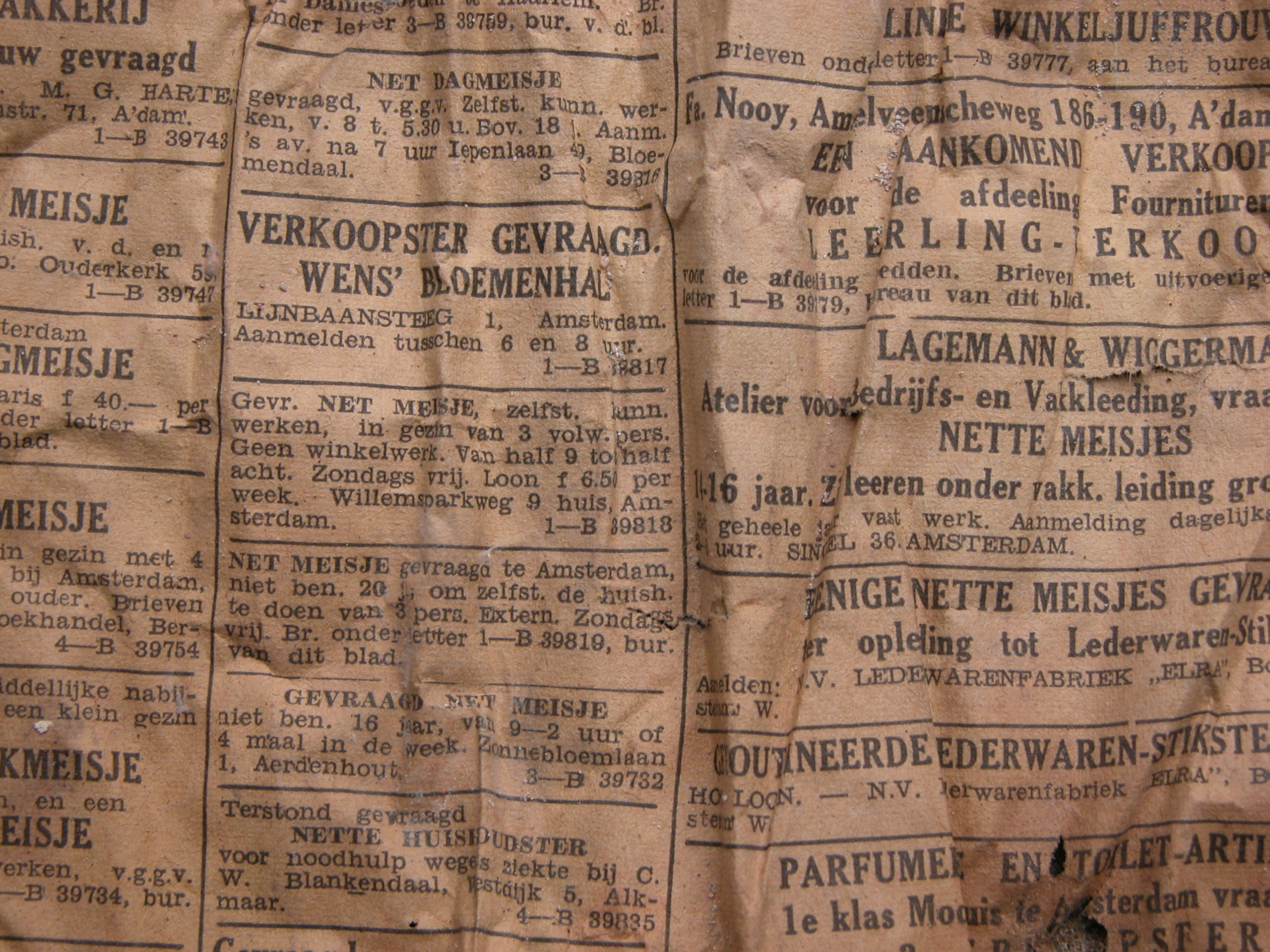 news paper old dutch advertising page