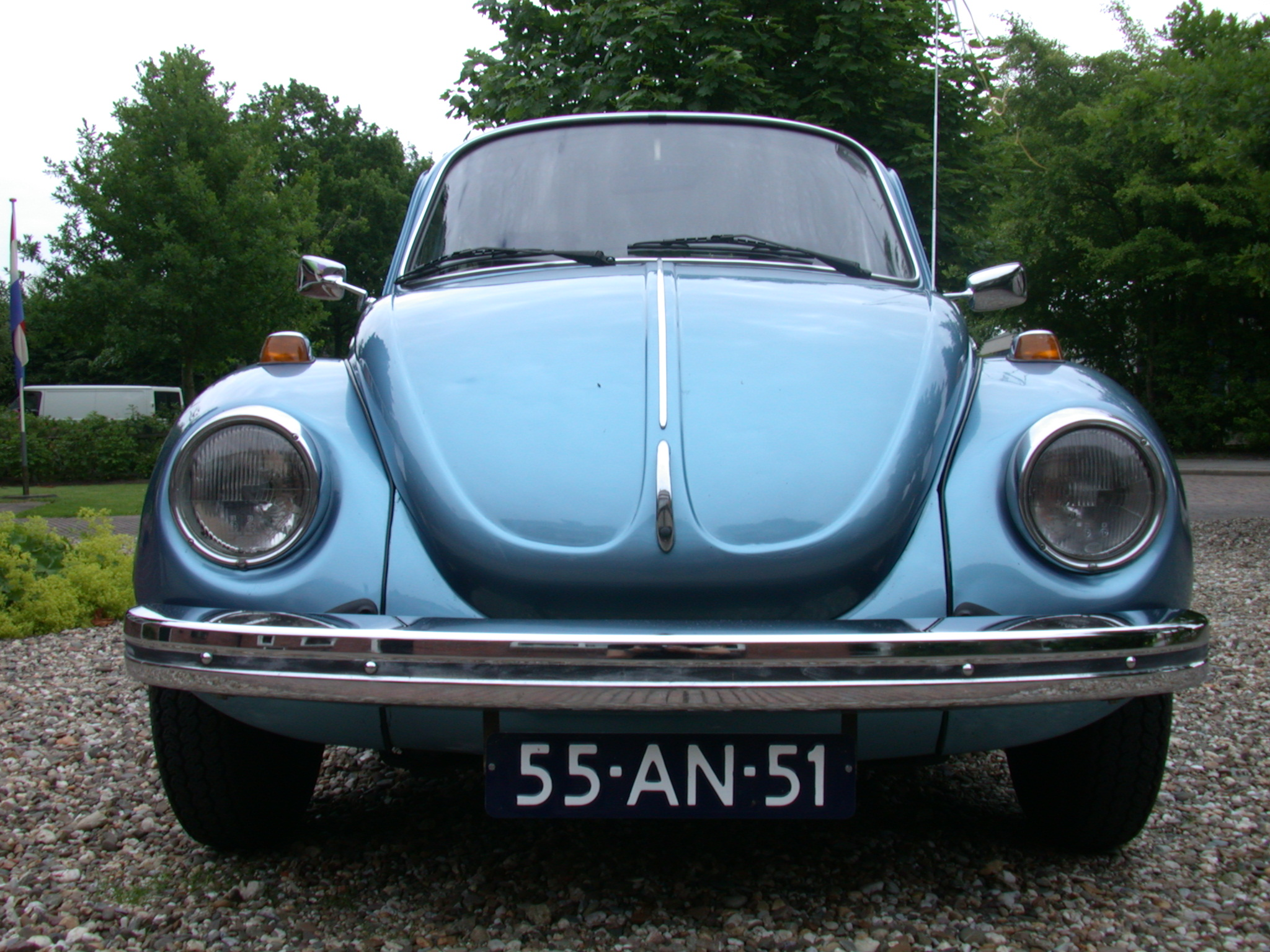 vehicles land vw volkswagen beatle front headlight bumper chrome headlights lights licenceplate numbers typography sanserif