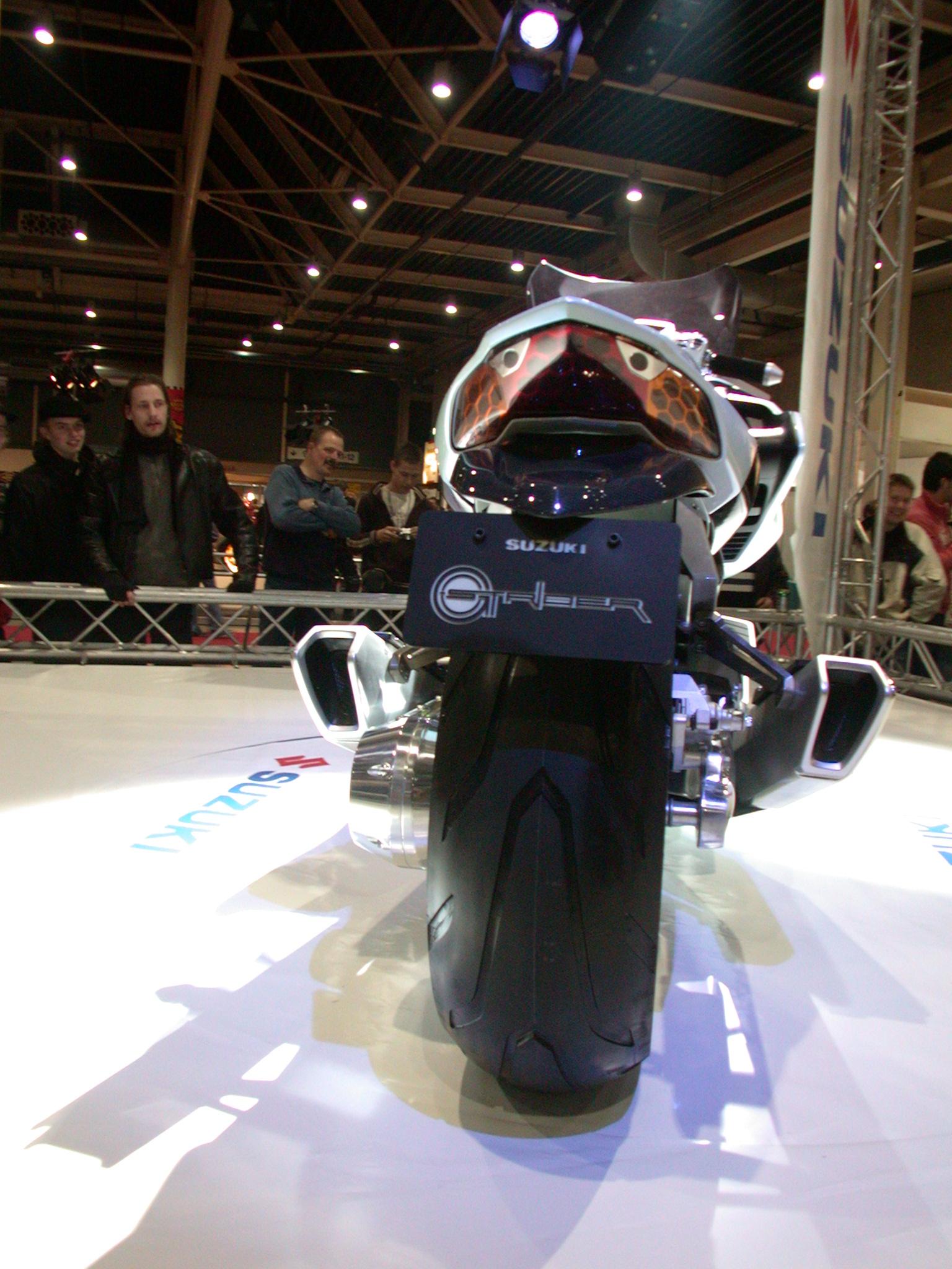 concept bike motorbike motorcycle futuristic show bikeshow glossy tire