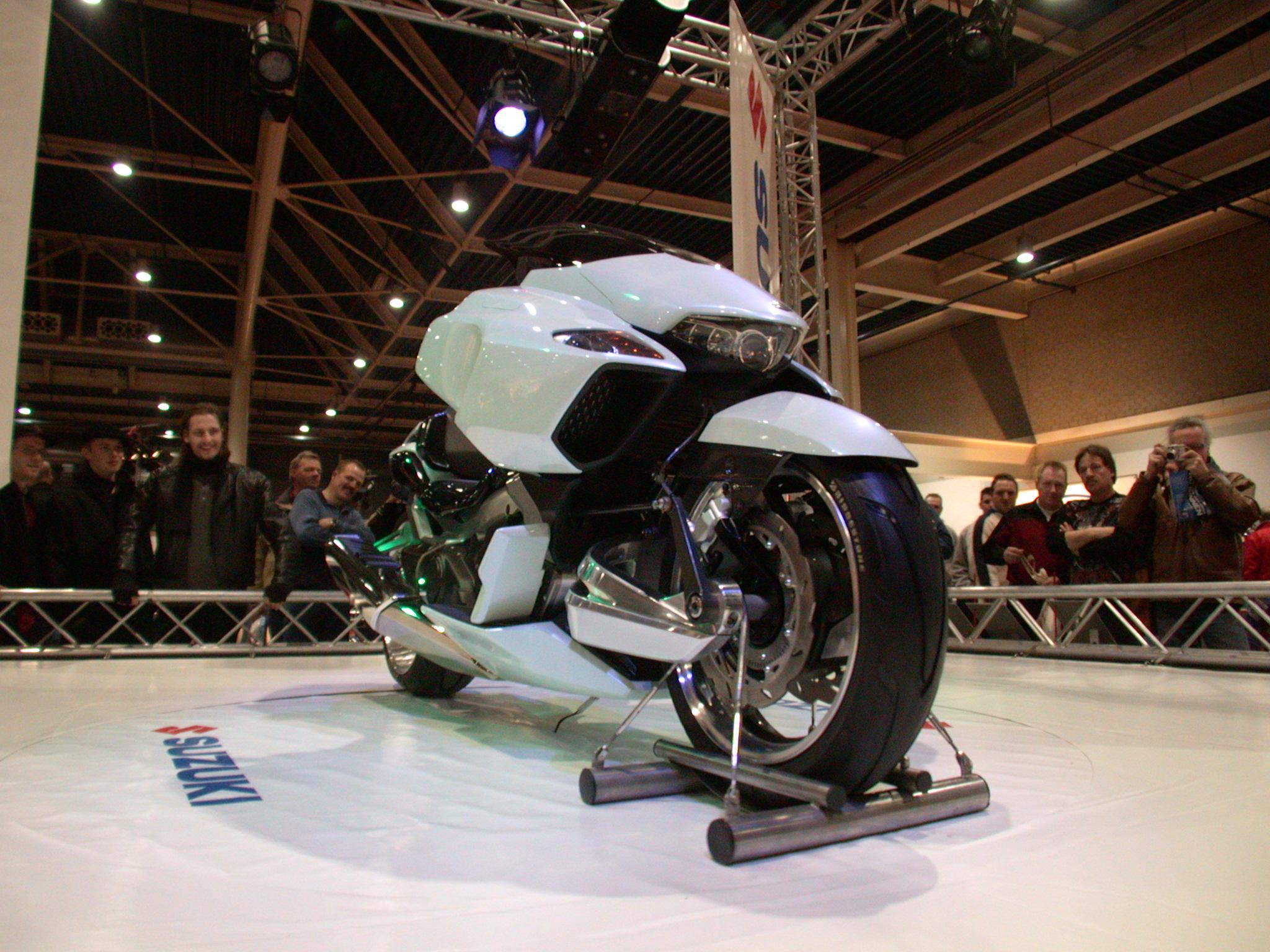 bike show motor motorbike futuristic design black white chrome