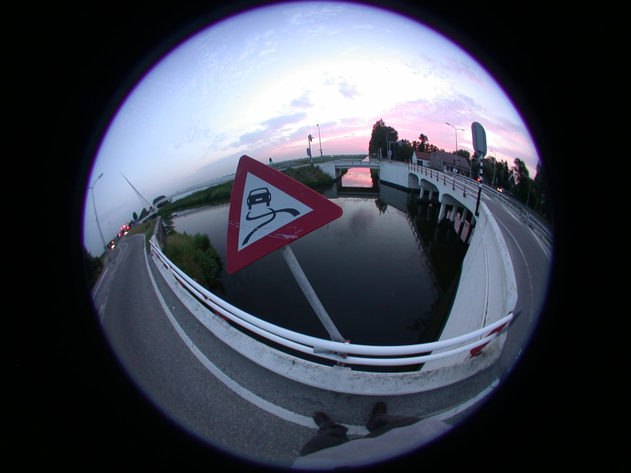 bridge fisheye slippery when wet distort