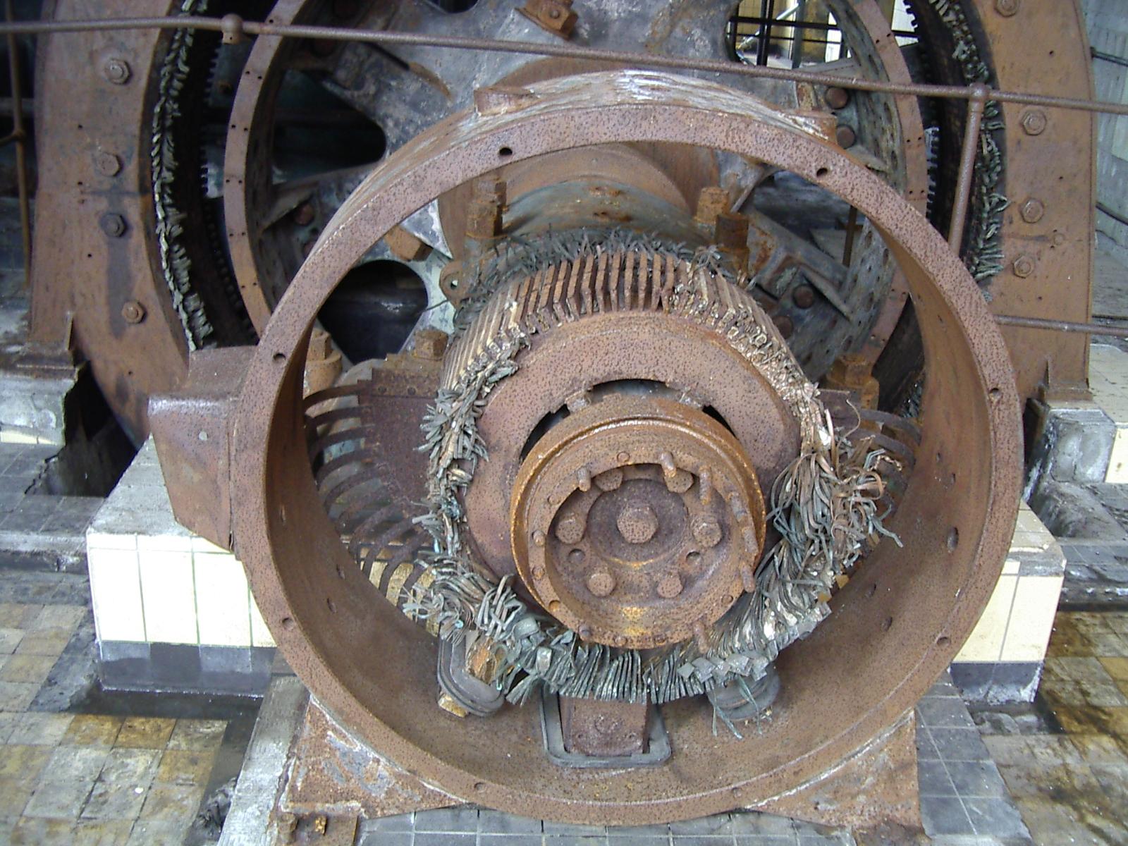 diederik old rusty engine machinery