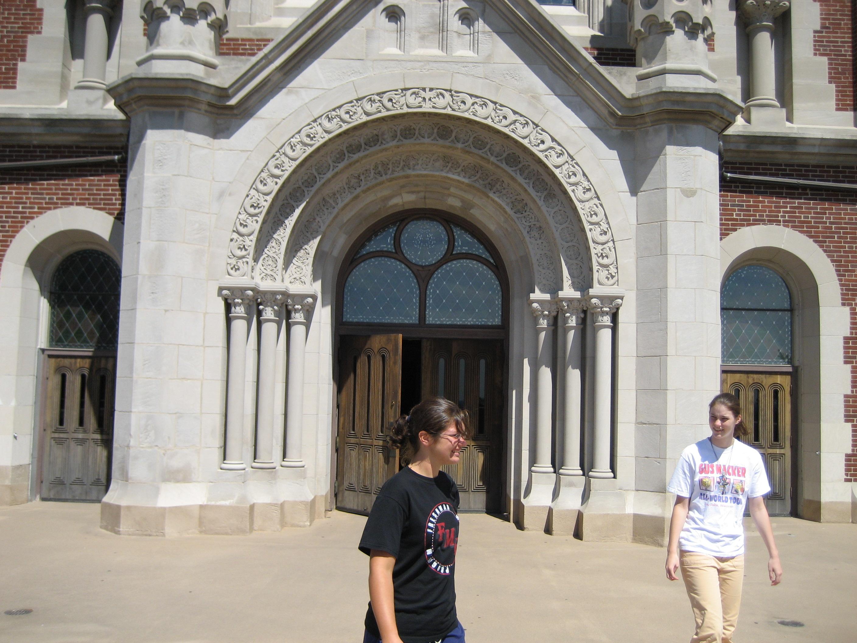 gallagher_lucas church doors girls walking past