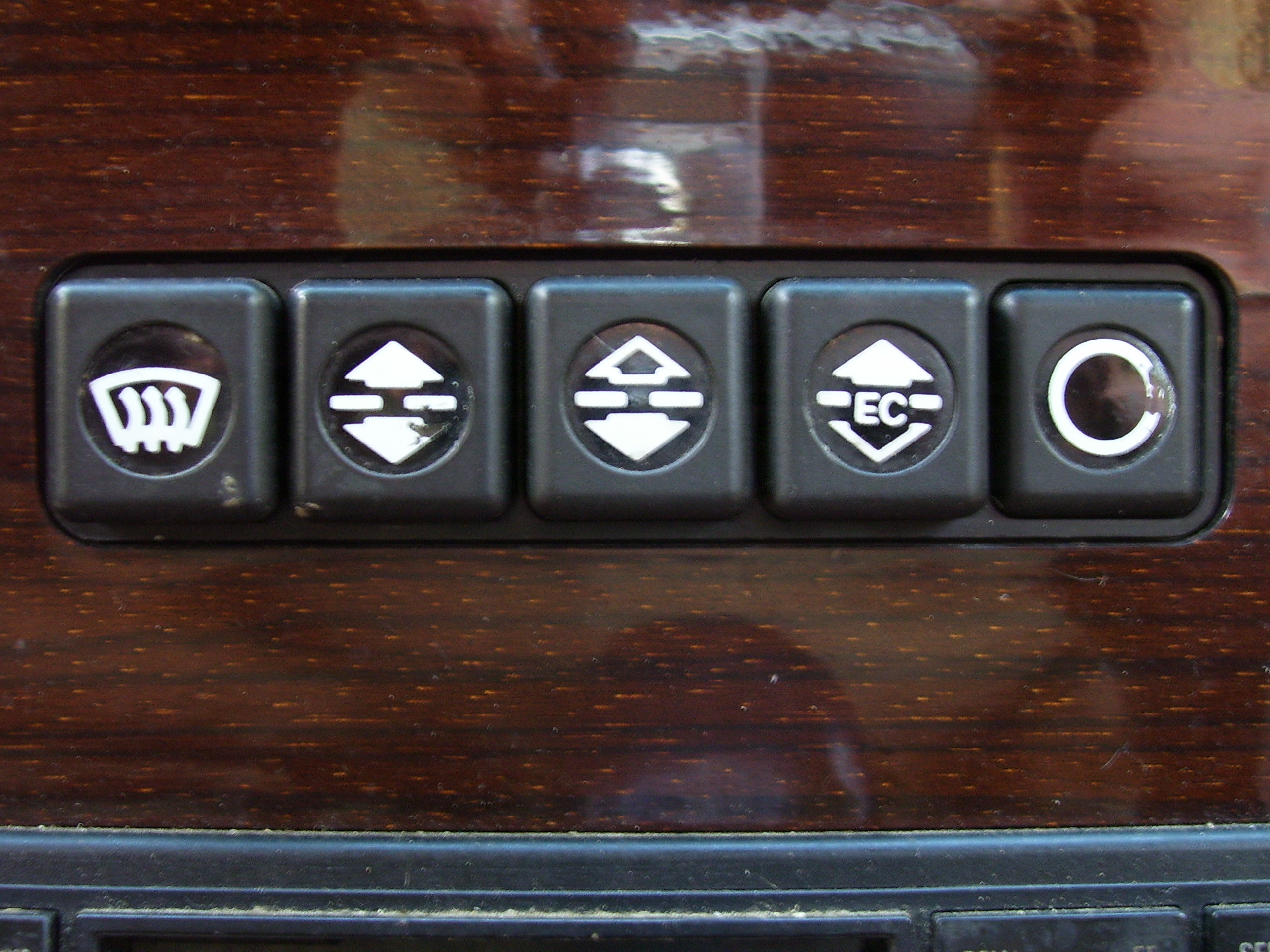 makkes buttons switches dashboard