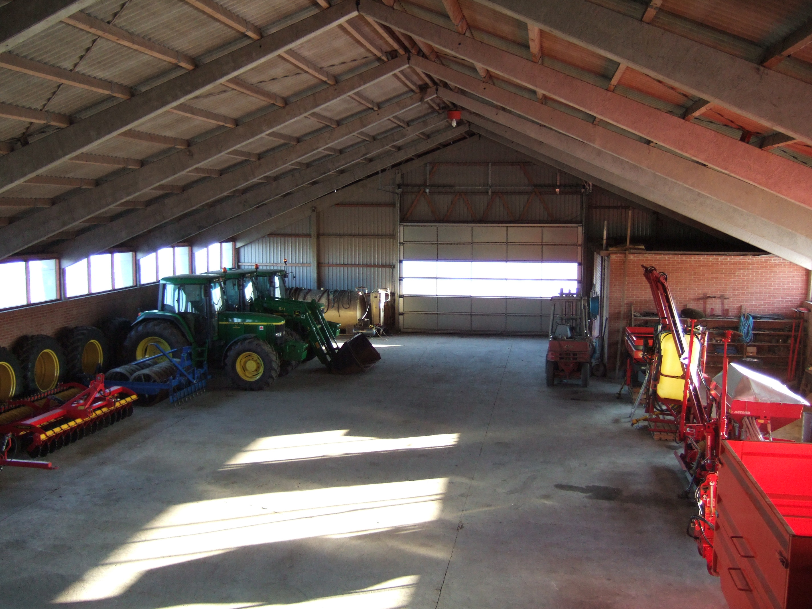 tabus hall shed barn tractor storage